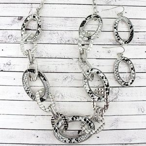 Jewelry - SILVERTONE AND GRAY SNAKESKIN OVAL LINK SET